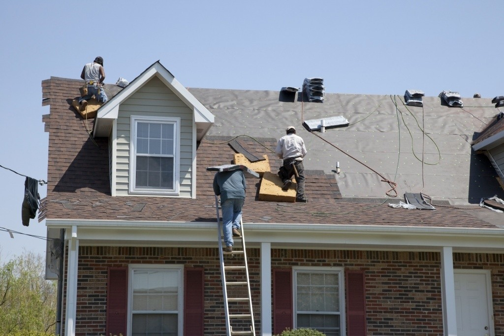 My Roof Needs Help! How to Find a Roofer in Your Area