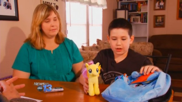 School allows bullied boy to wear My Little Pony backpack