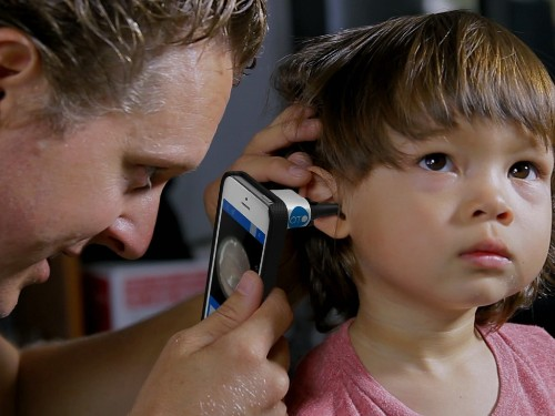 New iPhone app and tool allows parents to receive kids' ear infection diagnosis at home
