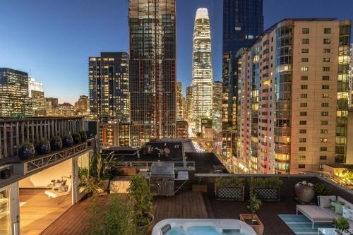 San Francisco penthouse loft with rooftop hot tub asks $1.895 million