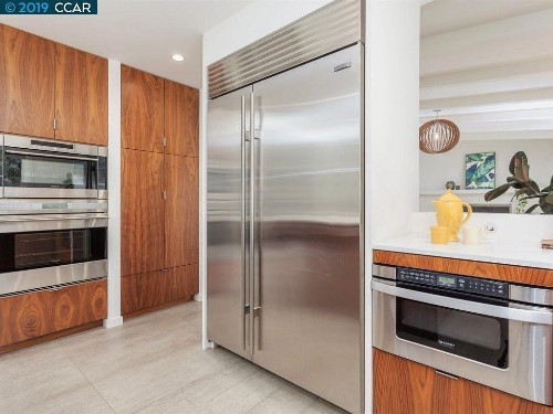 Steam ovens, wine cellars rank among top features to sell an SF home at a premium