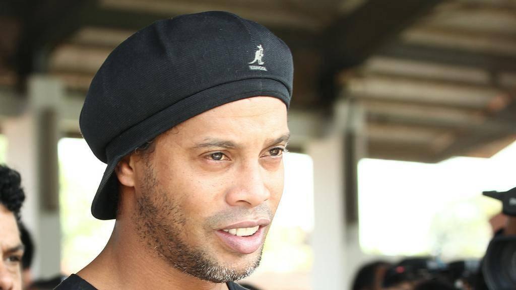 Ronaldinho schmort weiterhin im Gefängnis - und das wird eine Weile so bleiben