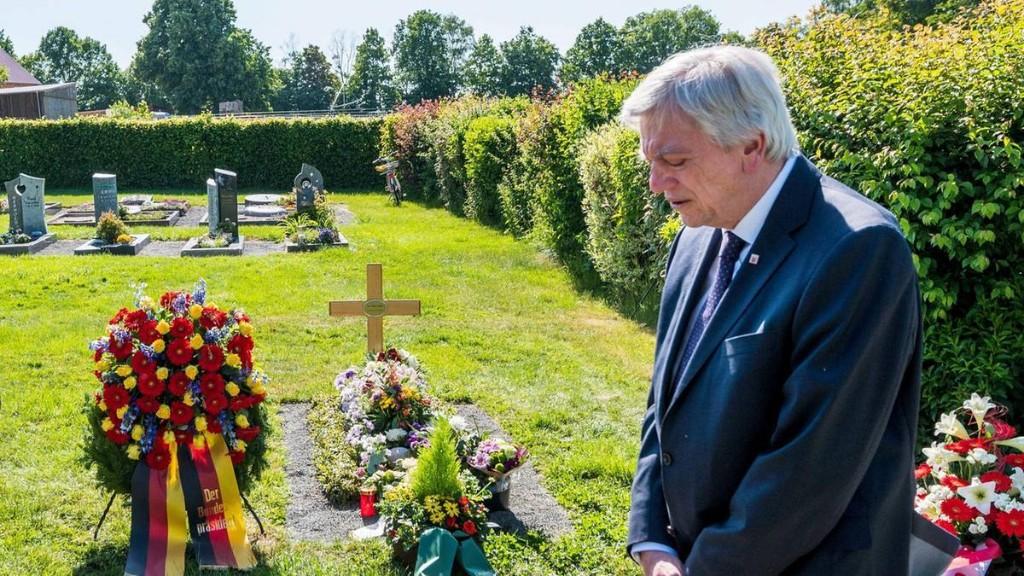 Trauer am Todestag von Walter Lübcke – Prozess startet bald