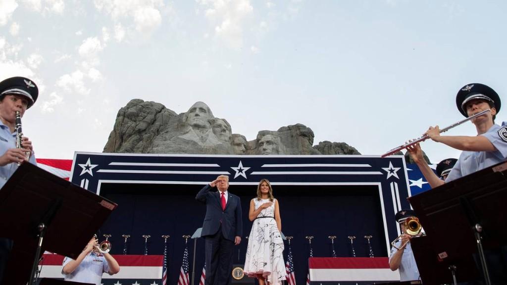 """Trumps düstere Botschaft: Eine """"gnadenlose Kampagne zur Auslöschung unserer Geschichte"""""""