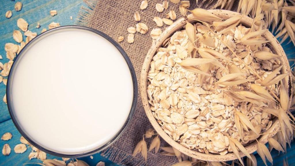Hafermilch: So können Sie die pflanzliche Variante selbst machen