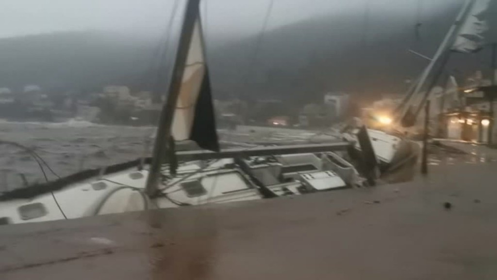 "Handyvideos zeigen Wucht: Mittelmeer-Hurrikan ""Ianos"" trifft Griechenland"