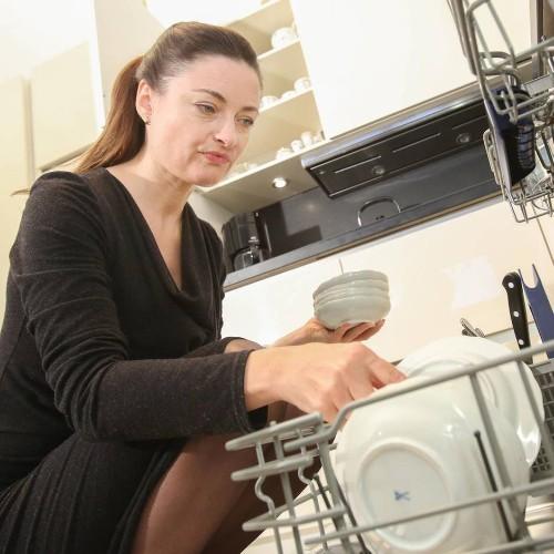 Dänische Studie: Bakterien und Pilze in der Spülmaschine - so bleibt Ihr Geschirr keimfrei
