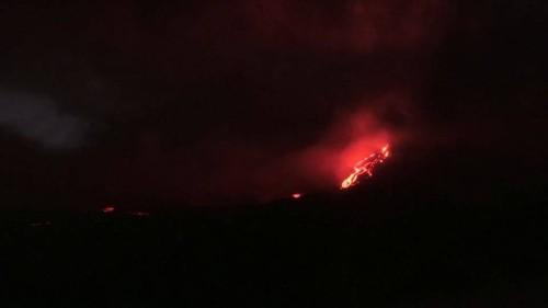 Vulkanausbruch überrascht Touristen auf Urlaubsinsel