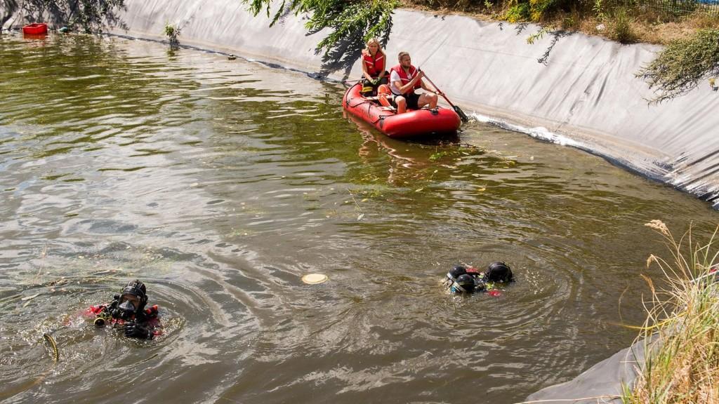 Nachrichten aus Deutschland: Zwei-Meter-Schlange verschreckt Spaziergänger in Park