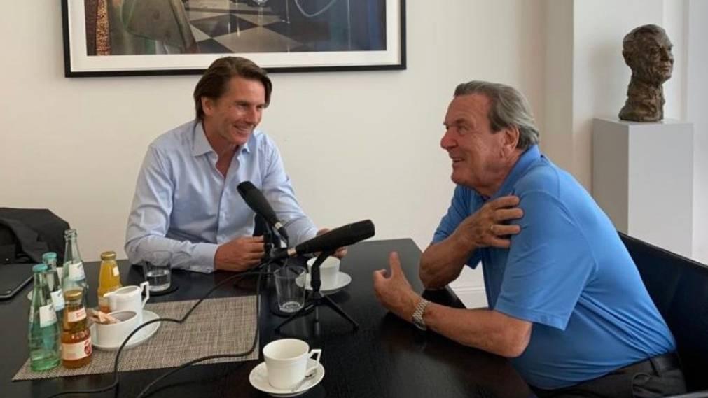 Altkanzler Schröder startet eigenen Podcast – und teilt darin gewohnt kernig aus