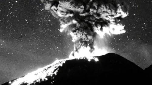 Vulkanausbruch unterm Sternenhimmel – atemberaubende Aufnahmen aus Mexiko