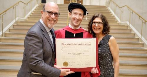 扎克伯格哈佛毕业典礼演讲:需要新社会契约带来公平机会