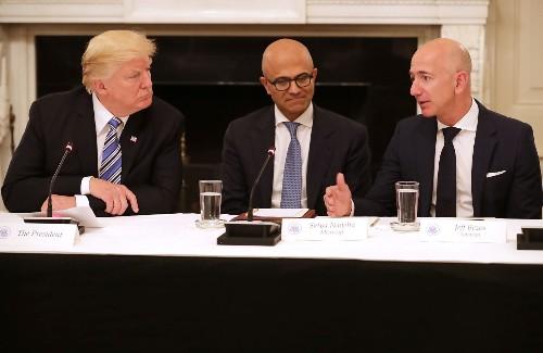 传特朗普要求 USPS 将亚马逊合作配送价格提高一倍
