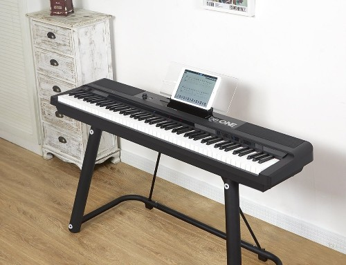 The ONE 智能钢琴 Pro:让初学者轻松学会弹钢琴