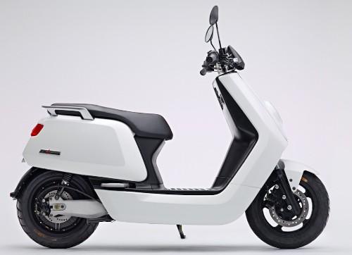 """牛电科技发布智能电动踏板车""""小牛 N1"""",售价 3999 元起"""