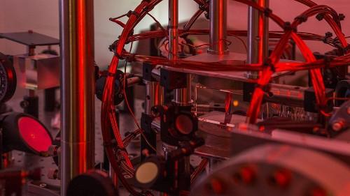 澳洲科学家利用人工智能学习并重现了玻色-爱因斯坦凝聚