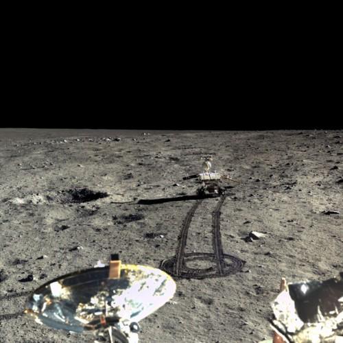 中国国家航天局首度公开高清彩色月面图像