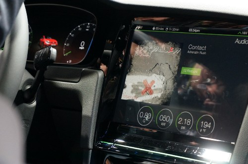 大众展示采用全触屏控制台的高尔夫 R Touch