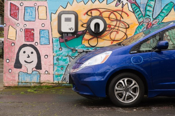 In Portland, Uber launches initiative to add electric vehicles to its fleet