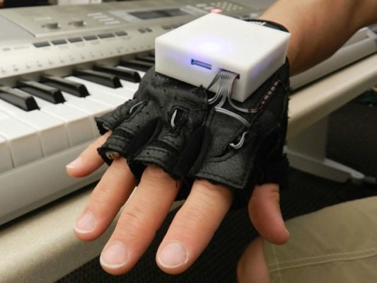 This Glove Makes You Beethoven – TechCrunch
