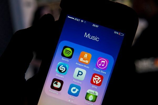Pandora struggles to find new footing as music streaming becomes commoditized