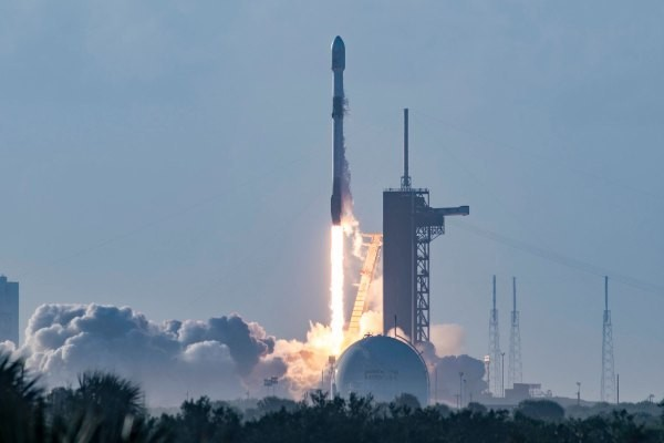 SpaceX successfully launches 60 more Starlink satellites, bringing total delivered to orbit to more than 800