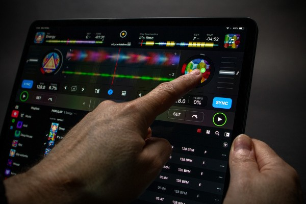 Algoriddim updates djay for iOS with subscription model