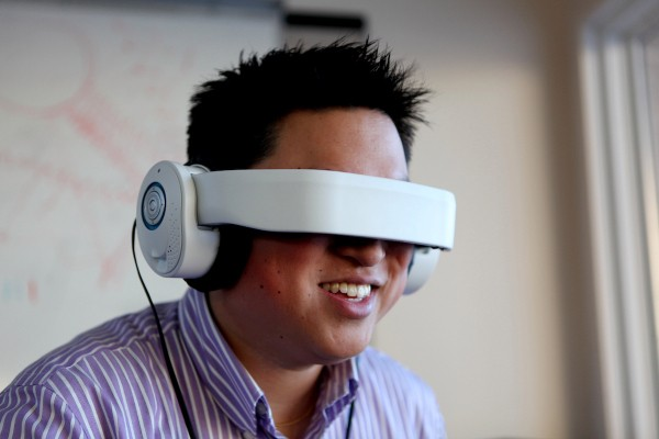 "Glyph ""Personal Theater"" Goggles Beat $250K Kickstarter Goal In Four Hours"