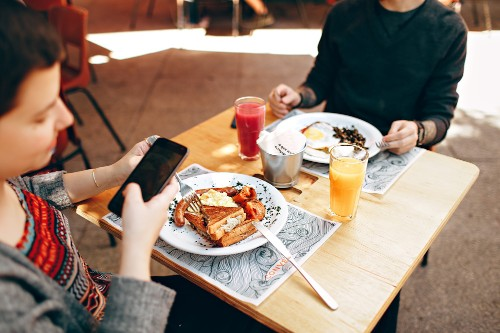 Google Maps now uses machine learning to find restaurants' best dishes, make suggestions