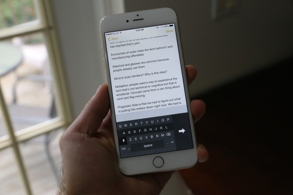 The iPhone 6 Plus Gets A One-Handed Keyboard App, And It's Glorious