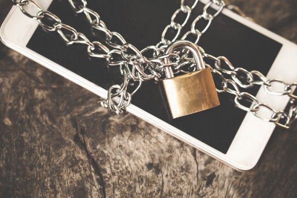 The FBI is mad because it keeps getting into locked iPhones without Apple's help – TechCrunch