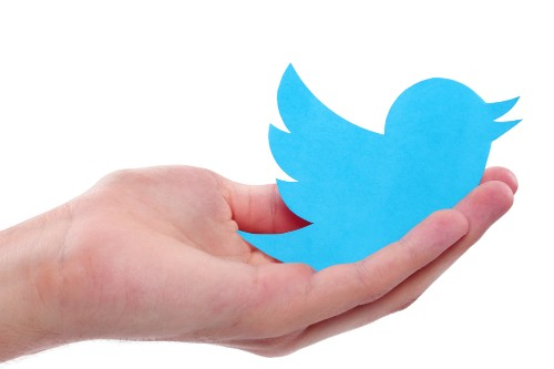 Twitter's new button lets you accept private messages from your website