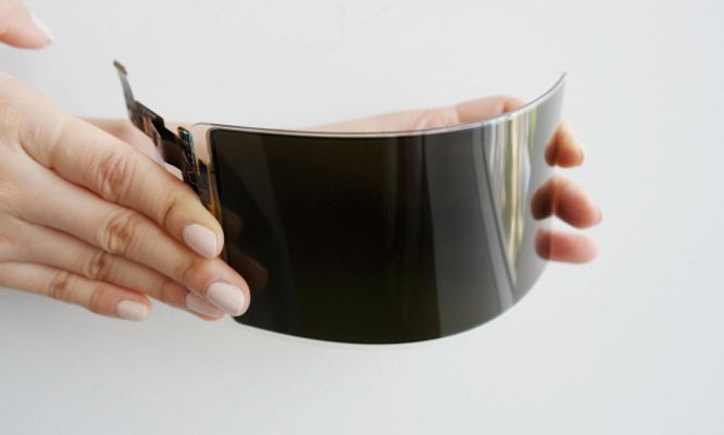 Samsung's new flexible display can withstand a lot of drops