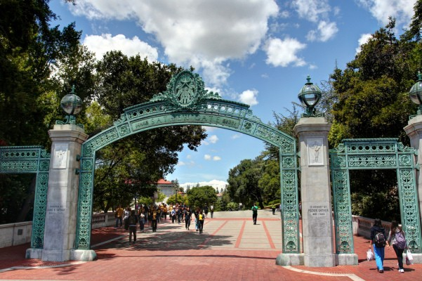 California's Experiment With Massive Online Courses Restricted To University Students