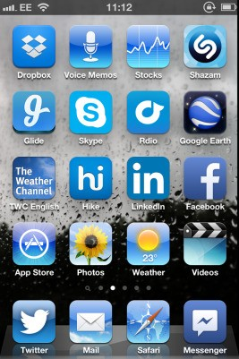 Blue Apps Are All Around But Blue Tones Get Less Of A Role In iOS 7's Psychedelic Redesign