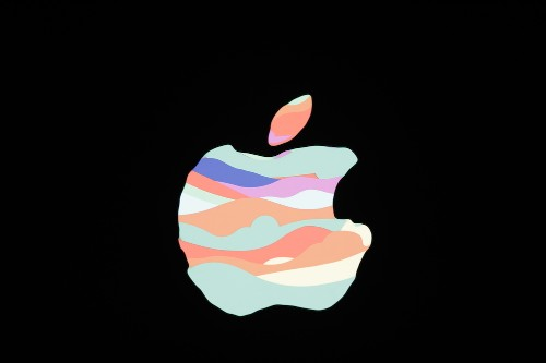 Apple kerfuffles, praise groups, and media layoffs