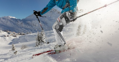 Roam debuts a robotic exoskeleton for skiers