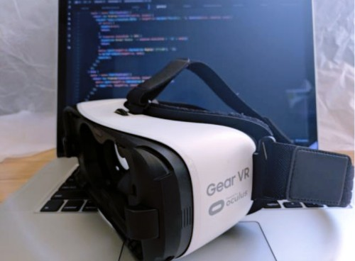 Facebook launches React VR, a new JavaScript framework for building basic VR apps