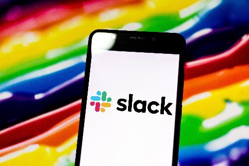 Slack prices IPO at $26 per share