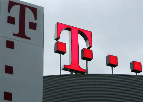 Select FCC leaders announce support for T-Mobile, Sprint merger