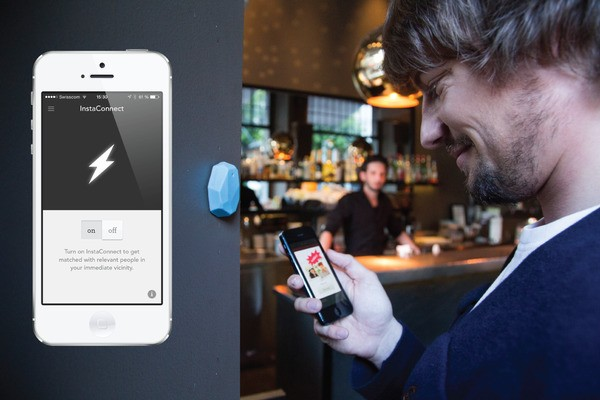 Blinq Tells You If Your Dating Matches Are In The Bar