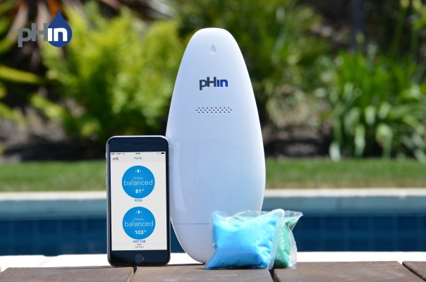 This Oblong Device Will Tell Your Smartphone If Your Pool Is Ready For Swimming