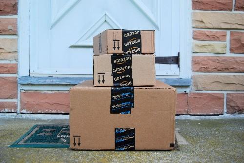 Amazon drops its free shipping minimum to $25, undercutting Walmart