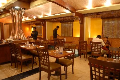 Zomato hits roadblocks in India as restaurants lose appetite for gold