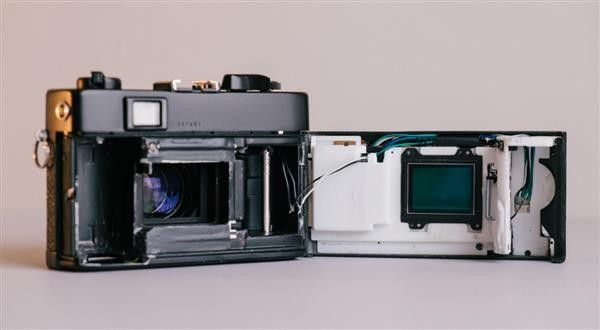 Designer Turns A Konica Film Camera Into A Digital Shooter With 3D-Printed Parts