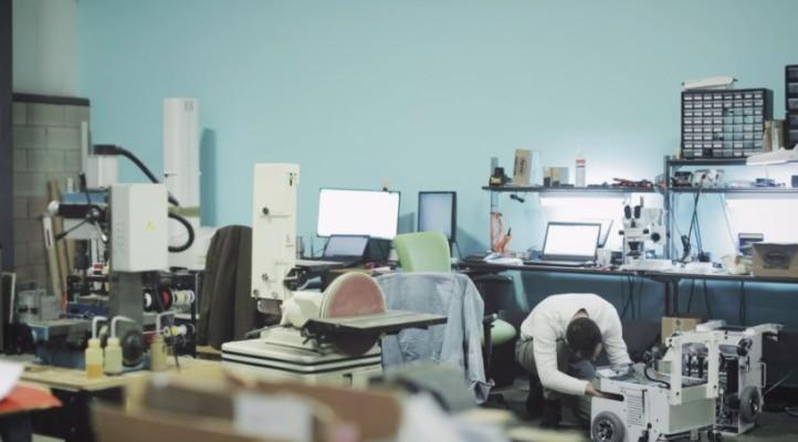 The startup behind Walmart's shelf-scanning robots