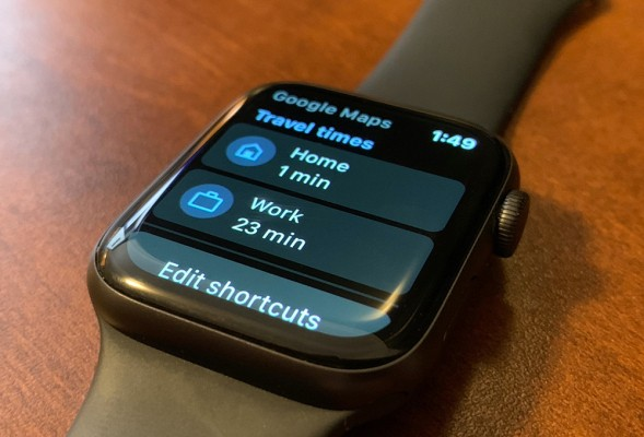 Three years later, Google Maps is back on the Apple Watch