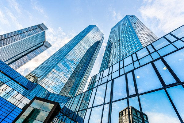 Three Ways To Stay Current In The Financial Services Industry