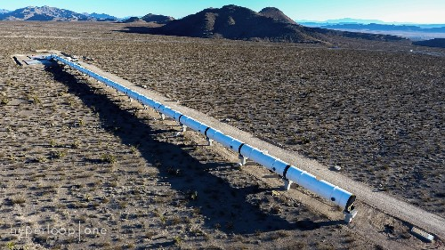 Zoetrope effect could render Hyperloop tubes transparent to riders