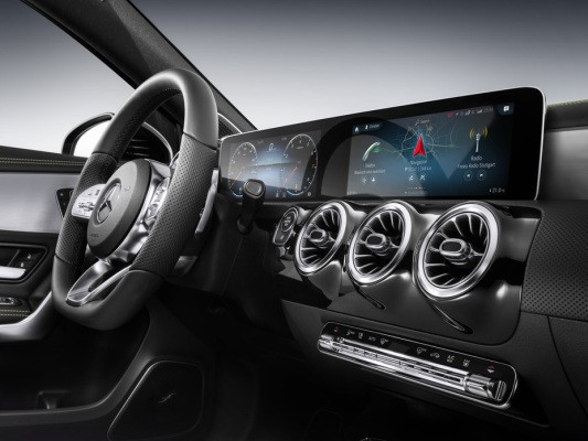 Mercedes-Benz's new MBUX in-car assistant and smart UI rocks